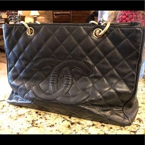 Chanel black caviar tote